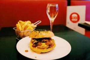 170314-burger-et-champagne-au-pdg-2